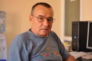 "antrenorul nicolae cotet 300x198 ""Fetele lui tata"", Ioana si Elena Bobita Basescu, campioane la inot!"
