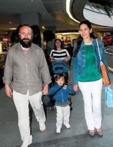"""halit berguzar 231x300 Afla povestea actorului Halit Ergenç, interpretul lui """"Suleyman Magnificul"""""""