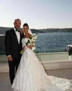 """halit nunta gizem 237x300 Afla povestea actorului Halit Ergenç, interpretul lui """"Suleyman Magnificul"""""""