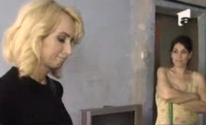 ioana tufaru mizerie casa daniela gyorfi 300x182 Mizeria din casa Ioanei Tufaru a ingrozit o pe Daniela Gyorfi!  VIDEO