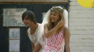 pariu cu viata1 300x168 Pariu cu viata: Monica si Dima se casatoresc. Afla totul despre peripetiile de la filmari!  FOTO