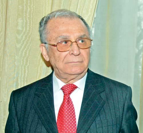 ION ILIESCU FANE 19 Ion Iliescu, la Parchetul General. Ce i a strigat un barbat