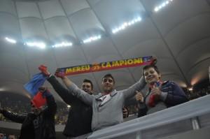 suporteri Steaua Steaua Dinamo Diana 0009 resize 1 300x199 Ultrasii isi deschid magazin Steaua in Berceni