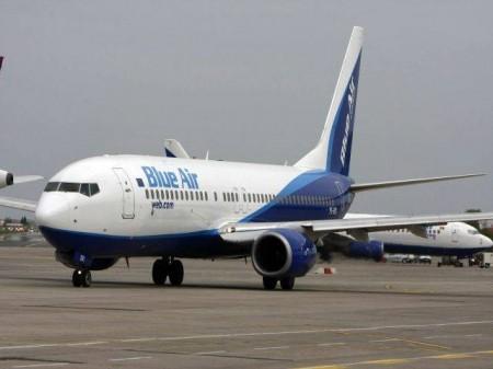 avion blue air1 450x337 Avion cu 135 de pasageri la bord a aterizat de urgenta pe Otopeni