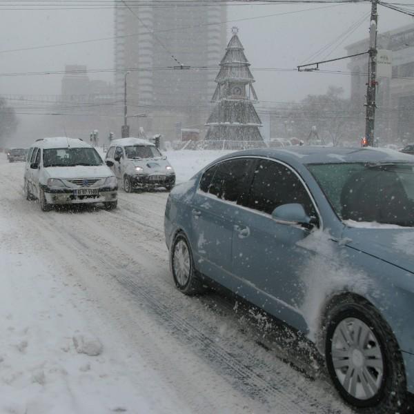 ninsoare viscol bucuresti judete cod galben 600x600 Precizari importante despre folosirea anvelopelor de iarna