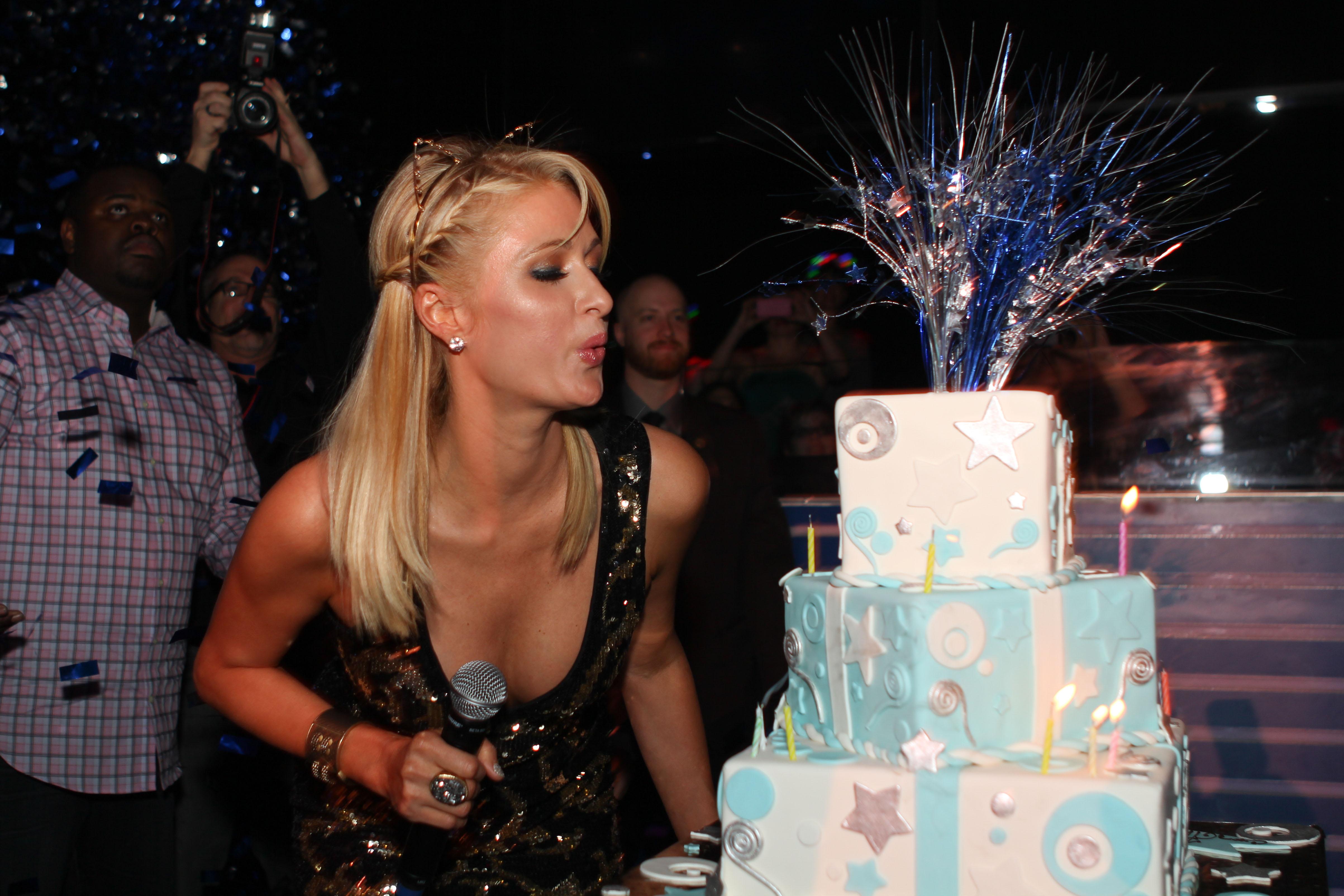 Российские блондинки на вечеринке 23 фотография