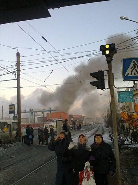 meteorit 2 450x600 Noi imagini INCREDIBILE cu ploaia de meteoriti care a ranit zeci de persoane in Rusia   VIDEO/FOTO