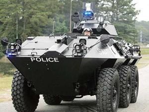 militarized police puppetgov1 300x226 America se pregateste de razboi civil!