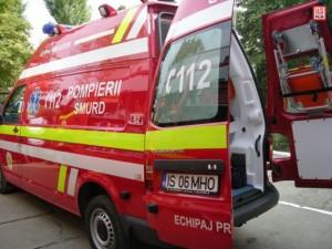smurd 5 300x225 Accident cu 10 raniti  un microbuz s a rasturnat, pe un drum din Olt