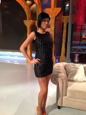 """562239 446732182068699 943885158 n 300x400 Prima asistenta insarcinata de la """"Un show pacatos"""" (FOTO)"""