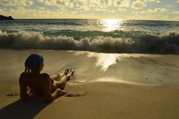 laura2 Laura Cosoi si iubitul ei, imagini spectaculoase din Paradis! (FOTO)
