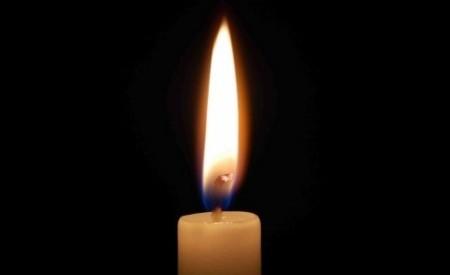 lumanare 450x275 O tanara dansatoare a murit dupa ce i s a facut rau pe scena, in Arad