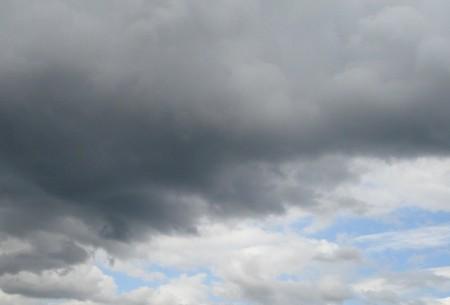 ploaie 450x305 COD PORTOCALIU. Ploi, vant, dar si o racire accentuata a vremii si ninsori