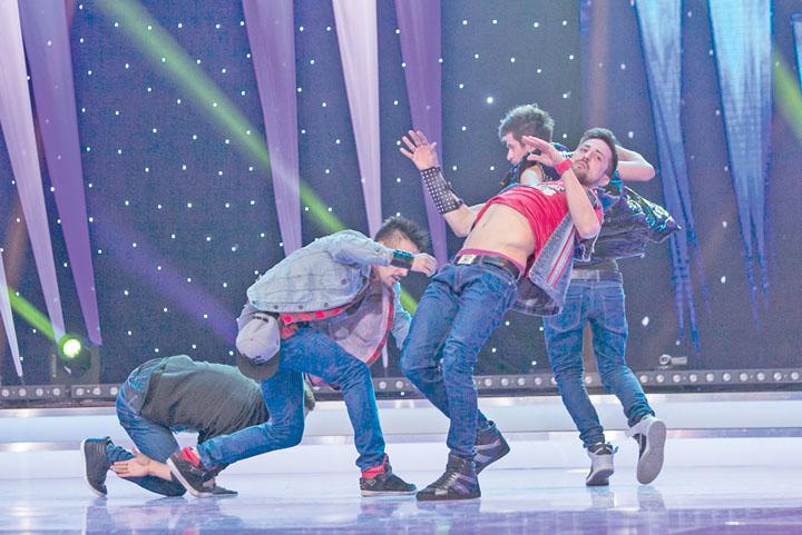 "FIRST CLASS4 ""Romania danseaza"" si a desemnat semifinalistii! Primii 12 care merg mai departe"