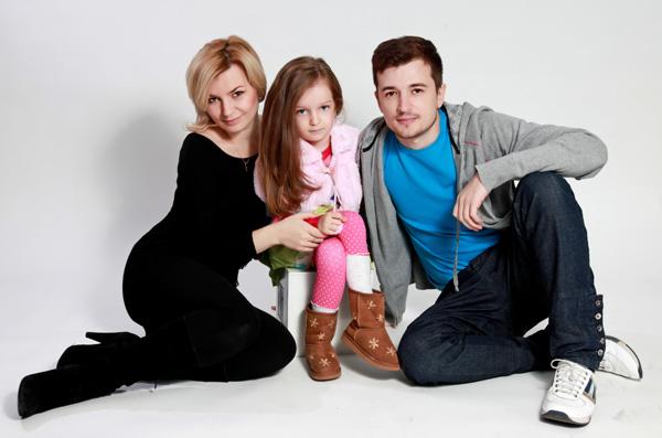 Radu Sirbu si familia Fost component al trupei O Zone, din nou tatic!