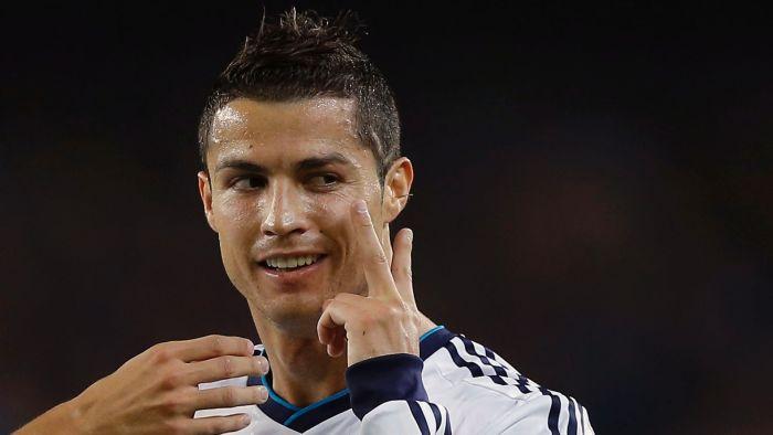 cristiano ronaldo3 Marile forte se bat pe Cristiano Ronaldo! Vezi cat ofera Manchester United si Paris Saint Germain pentru portughez