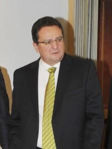 GEORGE MAIOR FANE 1 1 227x300 Cum i a inchis Sebastian Ghita gura prietenului Ponta