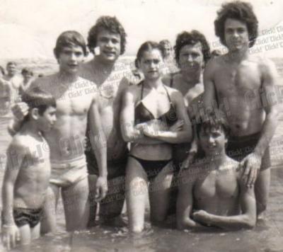 Ion Dolanescu si Nadia Comaneci Ion Dolanescu si Nadia Comaneci, foto de colectie. Uite i impreuna la plaja!