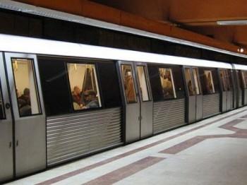 metrou 350x262 Probleme la metrou, in urma unui scurtcircut. S au anuntat demiteri
