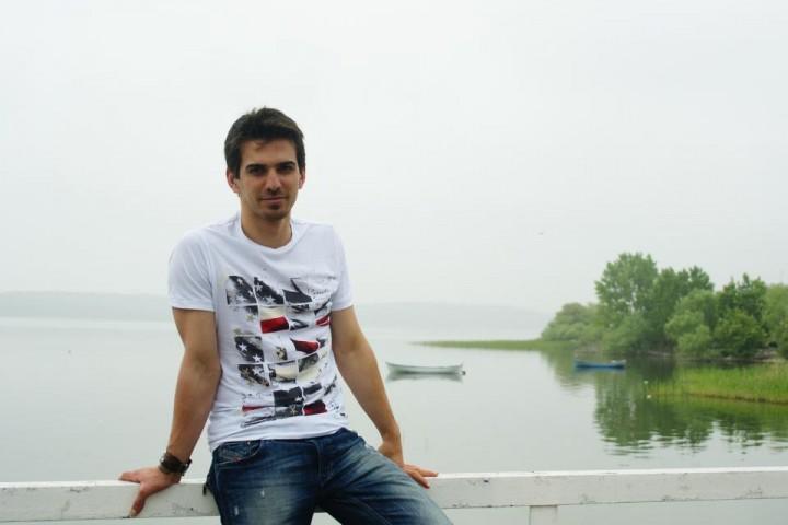 935372 478650365534860 1747966863 n 720x480 Iubitul Andreei Marin, salarii fabuloase in Romania!