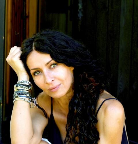 mihaela radulescu 479x500 Mihaela Radulescu, atac dur la adresa iubitorilor de maidanezi: Sunt javre ...