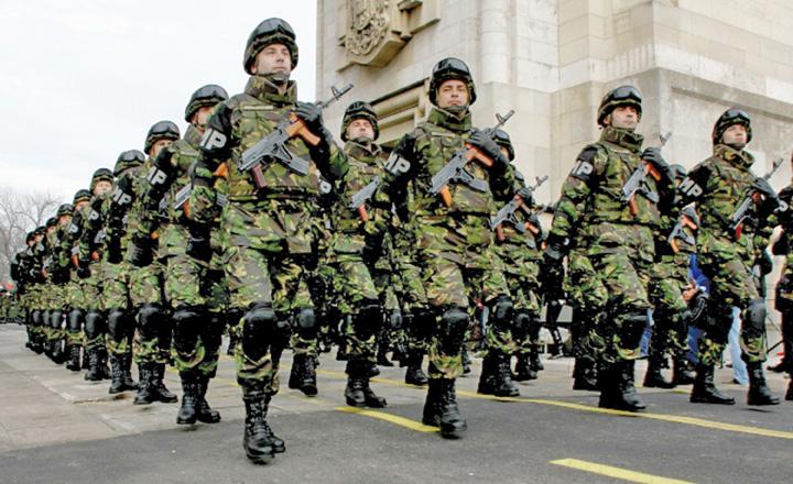 parada 1 Demonstratie de forta in fata Budapestei: Rezervistii din toate armele, mobilizare fara precedent !