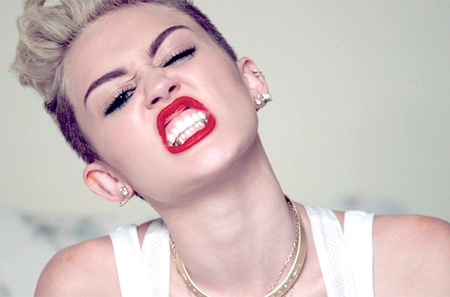 http://www.enational.ro/wp-content/uploads/2013/09/miley-cyrus-we-cant-stop-1-650-430.jpg