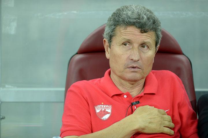 multescu pe banca Dinamo renunta la serviciile SMURD: Multescu a fost demis!