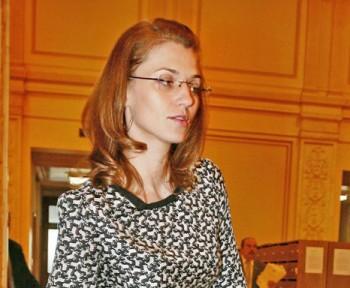 ALINA GORGHIU FANE 561 350x288 Gorghiu: Decizia CCR trebuie pusa in aplicare de urgenta. Asteptam demisia lui Tariceanu