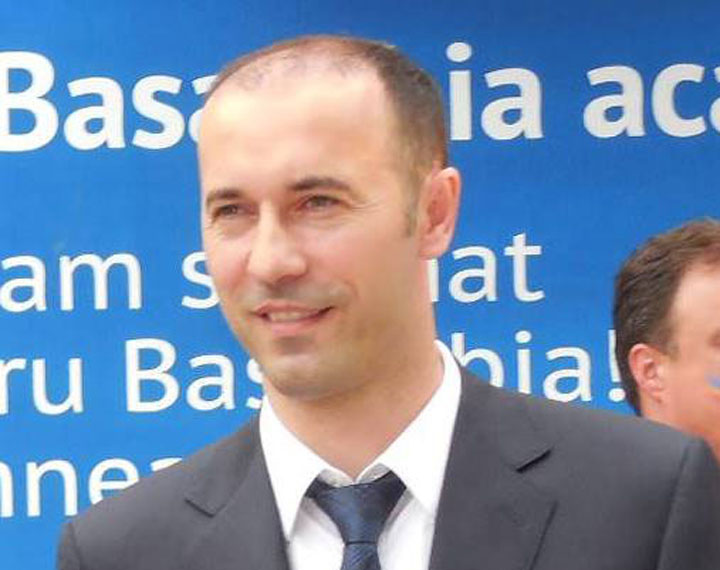 - iulian-dumitrescu