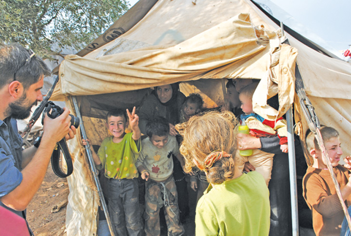 "Asta e casa lor ""National"" si Community Aid Romania, cu ajutoare in Siria!  Tabara de refugiati Atma, ""emblema"" indiferentei internationale"