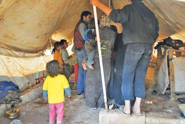 "Interior de cosmar ""National"" si Community Aid Romania, cu ajutoare in Siria!  Tabara de refugiati Atma, ""emblema"" indiferentei internationale"