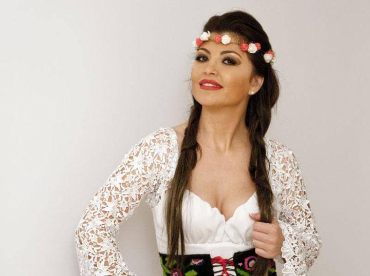 Imagini pentru claudia ghitulescu