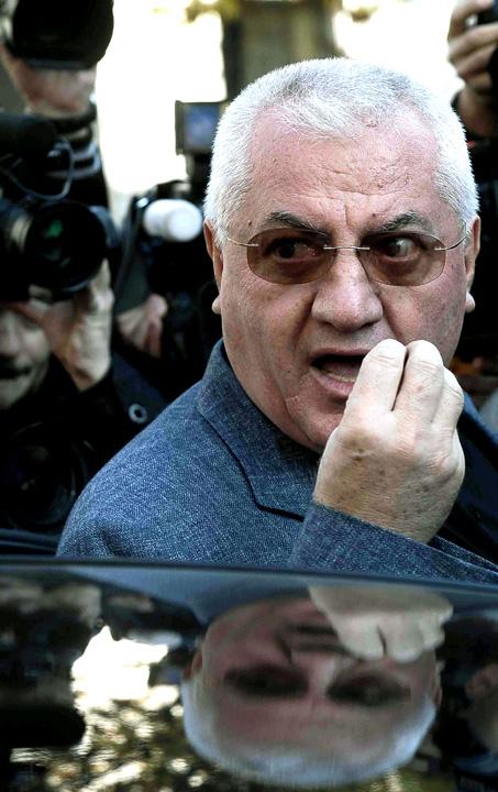 """Dragomir DNA agerpres 5701003 """"Oracolul din Balcesti"""" loveste din nou: Gica Popescu nu strange mai mult de 50 de voturi!"""