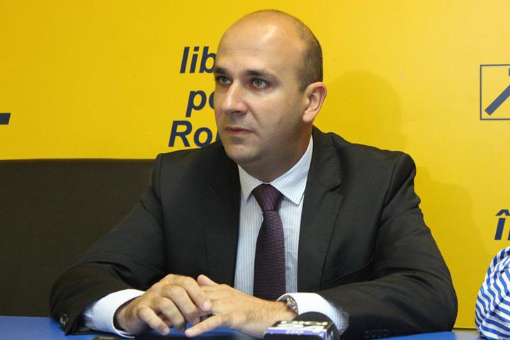 Bogdan Badea Cum l a binecuvantat protectorul Daniel Chitoiu cu 10 milioane de euro pe secretarul de stat Bogdan Badea