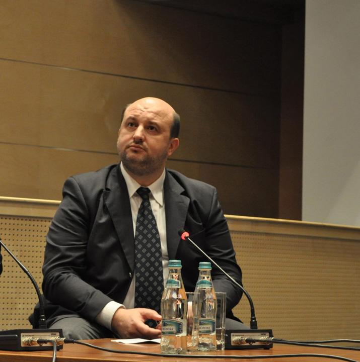 Daniel Chitoiu Cum l a binecuvantat protectorul Daniel Chitoiu cu 10 milioane de euro pe secretarul de stat Bogdan Badea