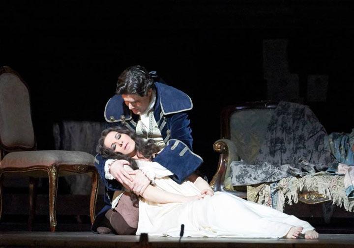 "angela gheorghiu adriana 2 Ce ii reproseaza soprana Angela Gheorghiu compozitorului operei ""Adriana Lecouvreur"":""Francesco, de ce m ai omorat?"""
