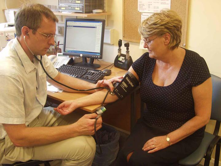 consultatie medic Noul pachet de servicii medicale de baza intra in vigoare din mai
