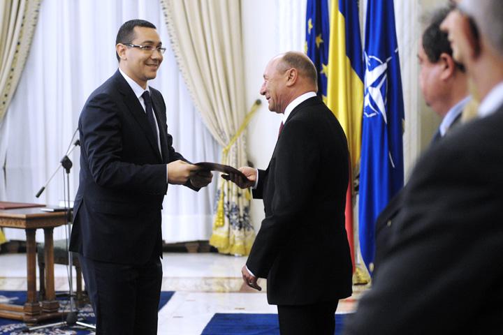 Basescu Ponta Traian Basescu, atac dur la adresa premierului: Vai de tine si de clica ta!