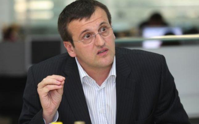 cristian preda Scandal la aeroport. Gigi Becali si europarlamentarul Preda, vorbe grele (VIDEO)