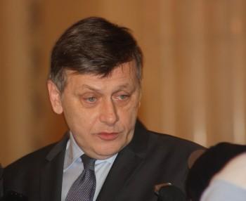 Crin Antonescu RICA PETRESCU 350x286 Razboi al declaratiilor Dragnea Ponta. Crin Antonescu: Parti din cele declarate sunt adevarate
