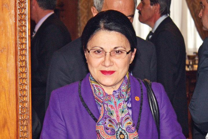 ECATERINA ANDRONESCU RICA PETRESCU OFICIAL. Ecaterina Andronescu, propusa de PSD pentru sefia Educatiei