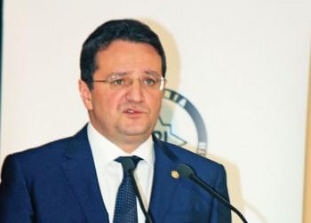 George Maior RICA PETRESCU 350x251 Maior a venit la Comisia SRI