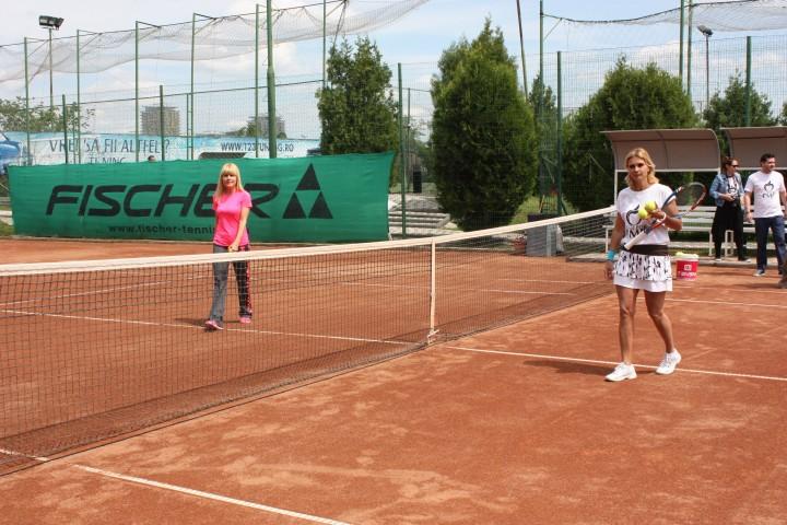IMG 7527 720x480 Elena Udrea a jucat tenis cu Ruxandra Dragomir (GALERIE FOTO)