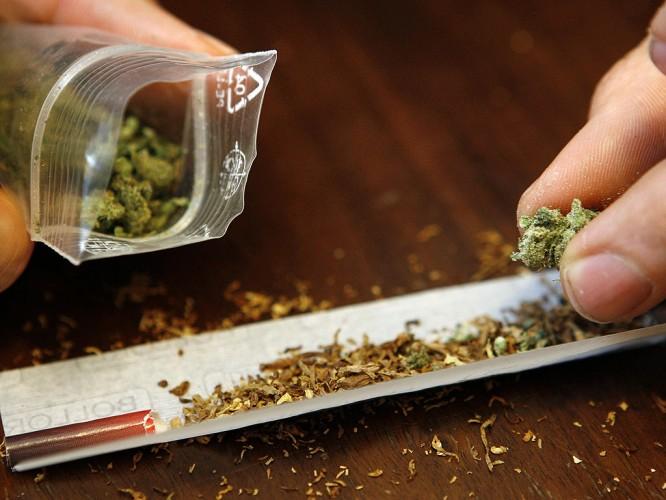 canabis 666x500 Perchezitii la tineri care vindeau droguri in Centrul Vechi al Capitalei