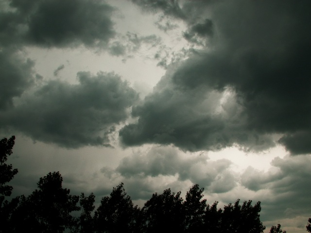 furtuna Noi vesti de la meteorologi: ploi in unele zone, canicula in altele. Capitala, inca sub COD PORTOCALIU