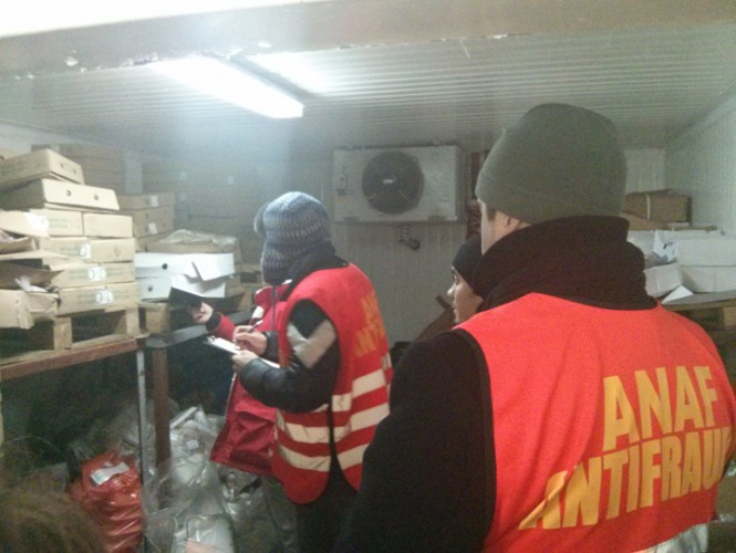 p 6 control anaf carne pui 1 665x500 Scandal pe litoral, cu inspectorii ANAF in prim plan
