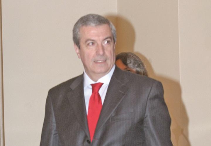 CALIN POPESCU TARICEANU FANE1 Tariceanu a confirmat, chiar in ziua Congresului, ca va candida la sefia ALDE