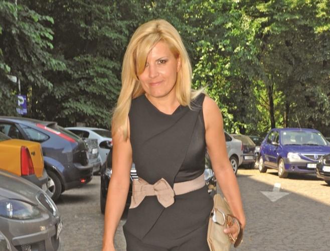 ELENA UDREA FANE 139 658x500 Udrea, din Costa Rica: Voi conduce Romania. Acesta e destinul meu, sa conduc tara!