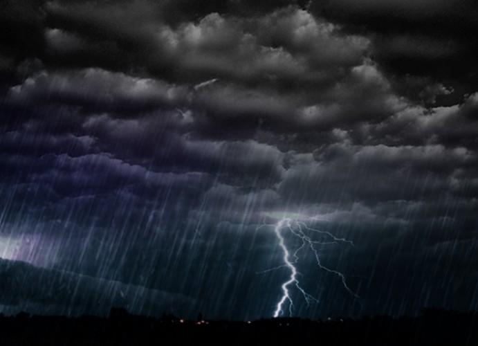 Meteo furtuna1 691x500 Avertizare meteo de vreme rea. Temperaturile scad pana la limita inghetului!